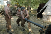 Reinigen der Ordnance QF-6-Pfünder-7-cwt